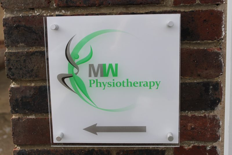MW Physiotherapy sign